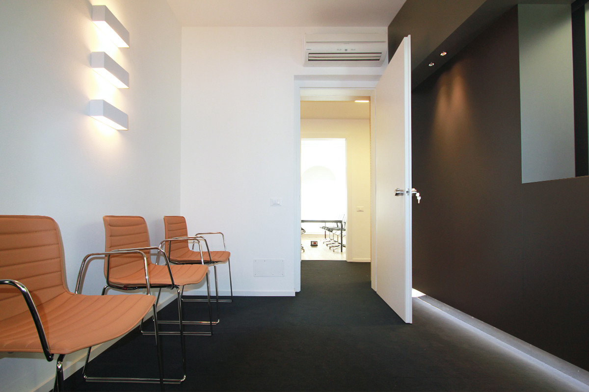 Otto-around-design-interior-acustica-studio-legale-udine.hd.jpg