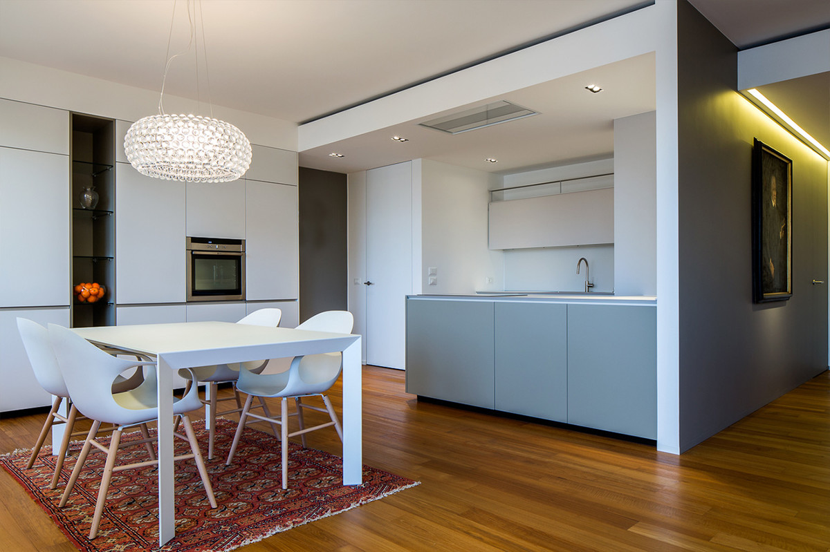 Otto-around-design-cucina-appartamento-residenziale.hd.jpg