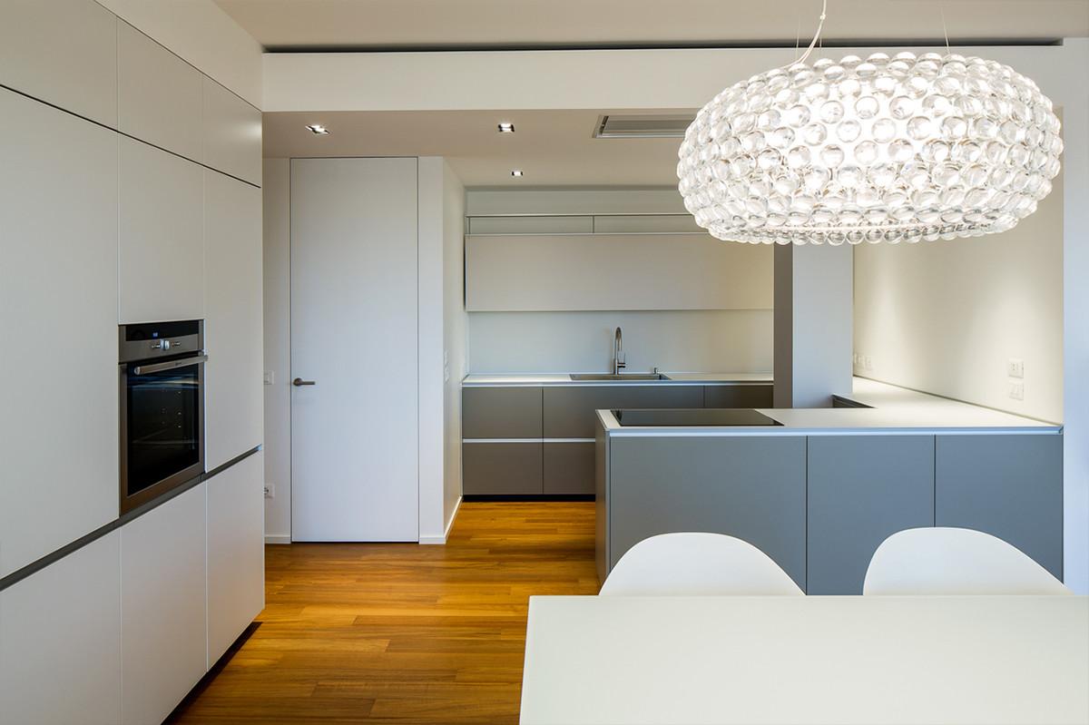 Otto-around-design-illuminazione-appartamento-residenziale.hd.jpg