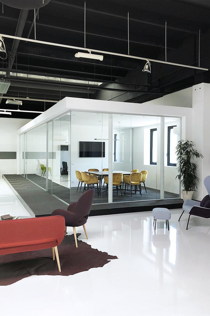 Otto-around-design-progetto-ufficio-torre.hd.jpg