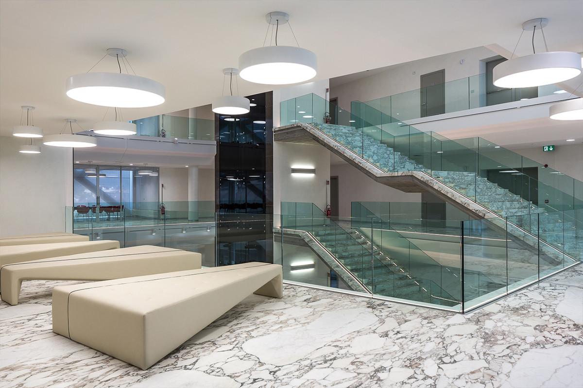 Otto-around-design-interior-banca-di-cividale.hd.jpg