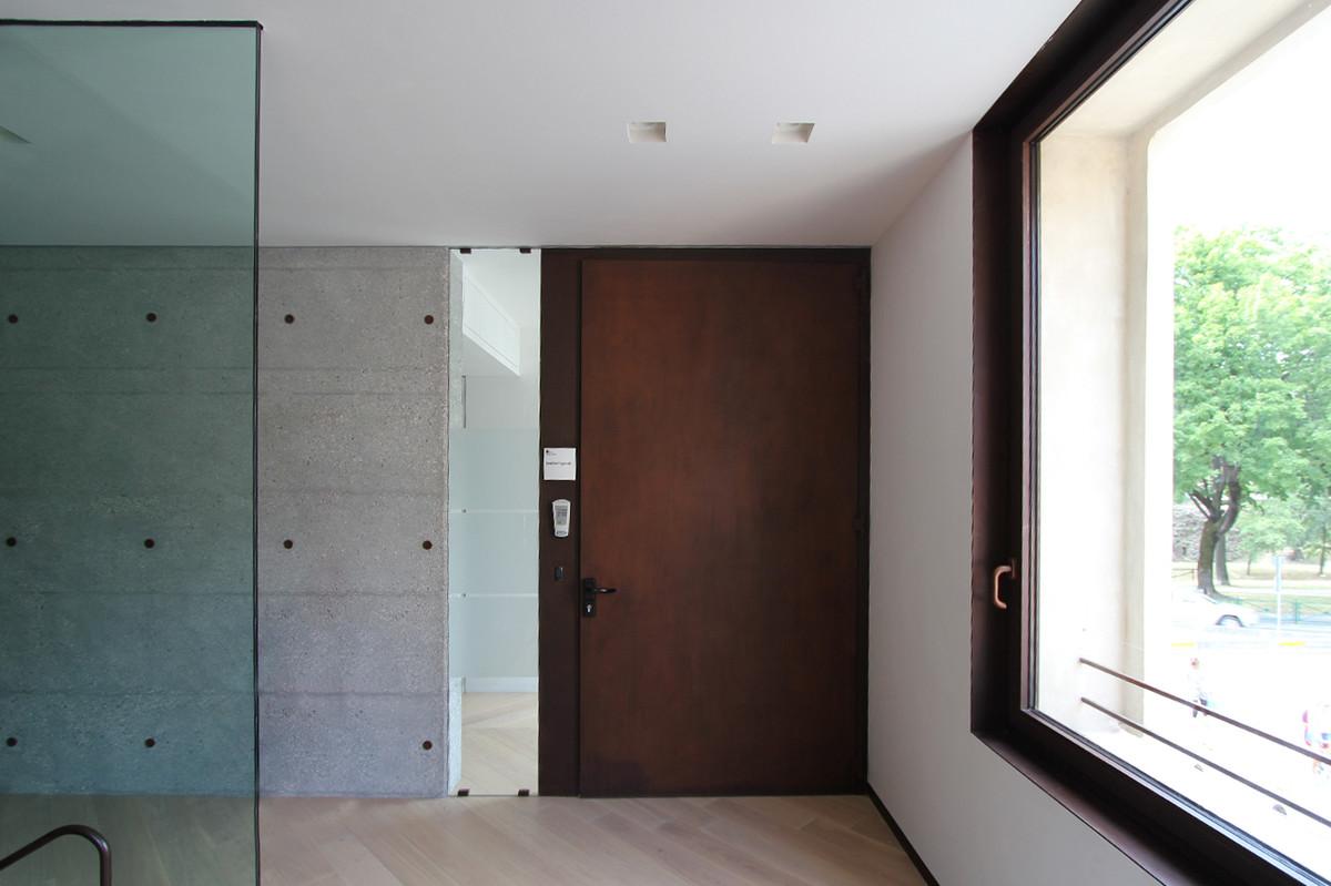 Otto-around-design-interior-parete-vetrata-Bpv-Tv.hd.jpg