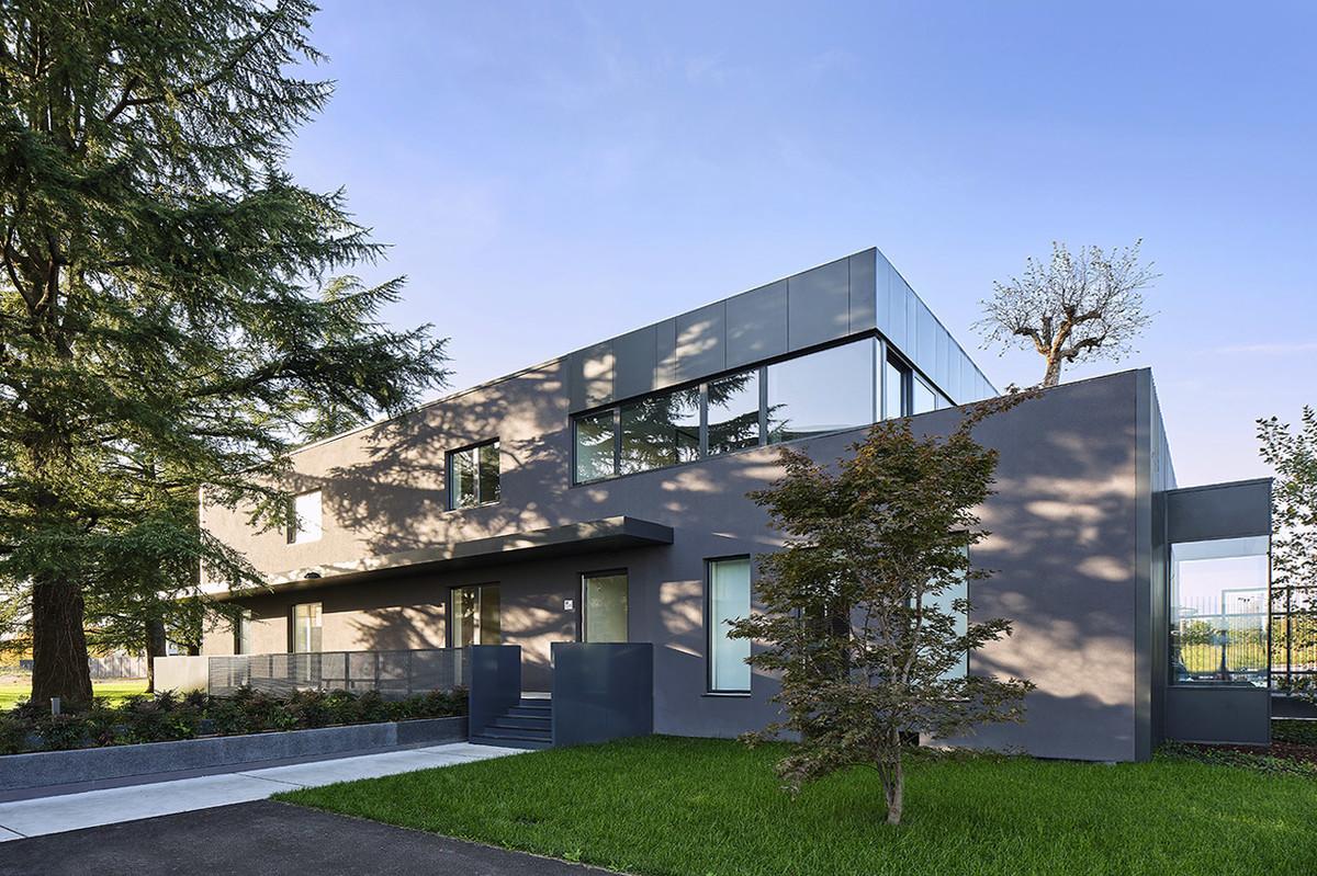 Otto-around-design-architettura-head-quarter-Riel-srl.hd.jpg