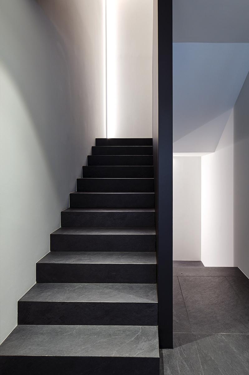 Otto-around-design-interior-finiture-Riel-srl.hd.jpg