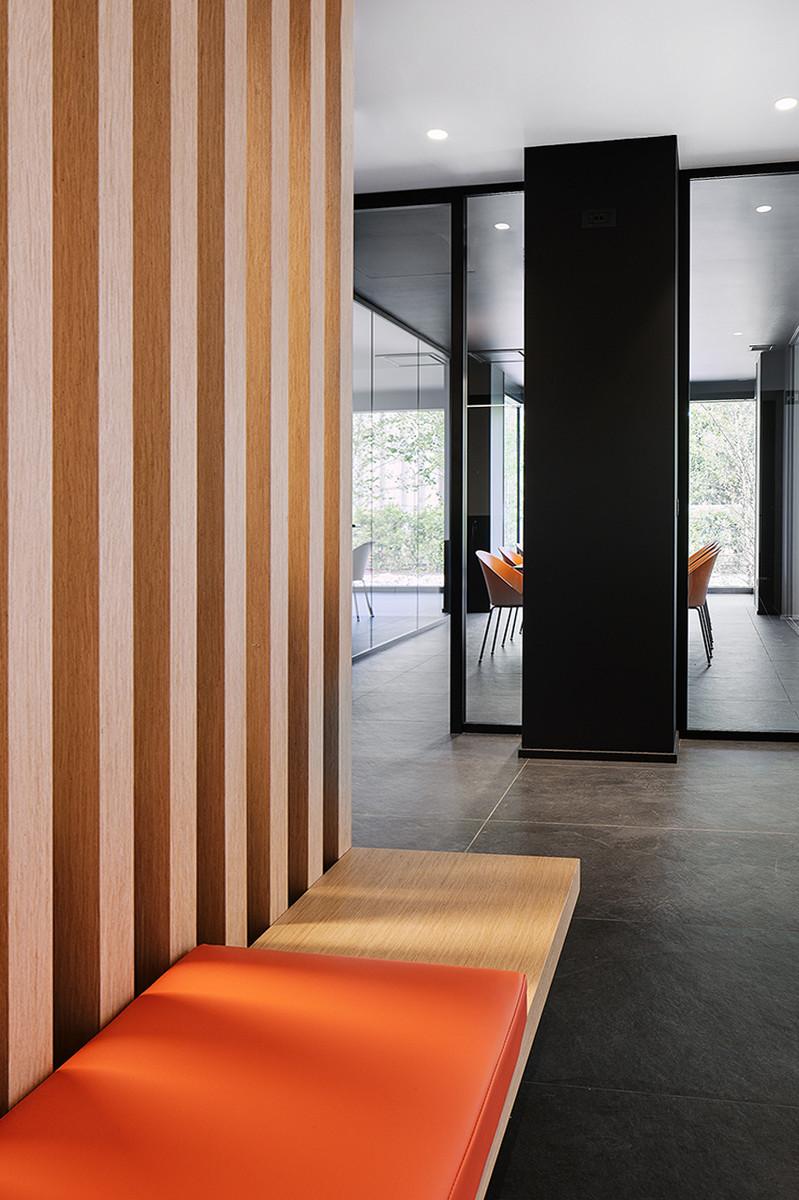 Otto-around-design-interior-illuminazione-Riel-srl.hd.jpg